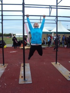 Claudia testing the Pull-up bar in Bolton @CrossFit Regionals 2011
